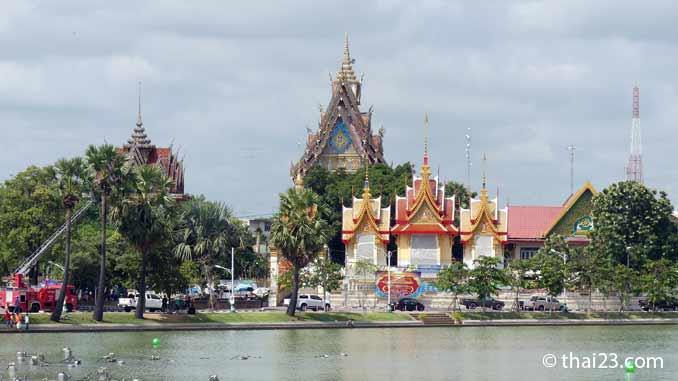 Wat Bueng Phra Lan Chai