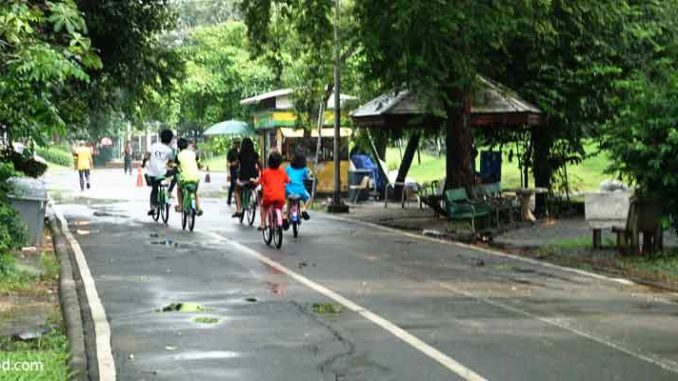 Suan Rot Fai Park