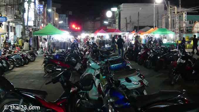 Surin Nachtmarkt