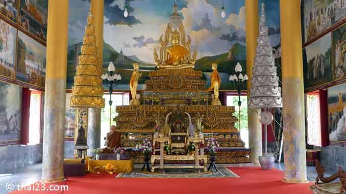 Wat Burapharam Buddha Statue