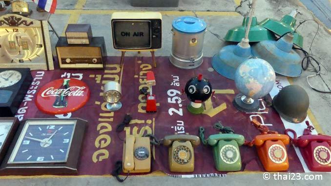 Antiquitäten Rot Fai Market